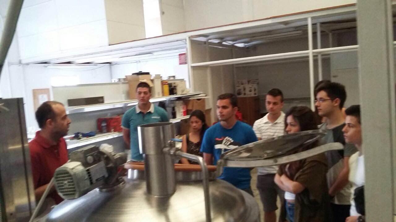 Visita de los alumnos de Sala la Fábrica de Cervezas Babel en Estepona.
