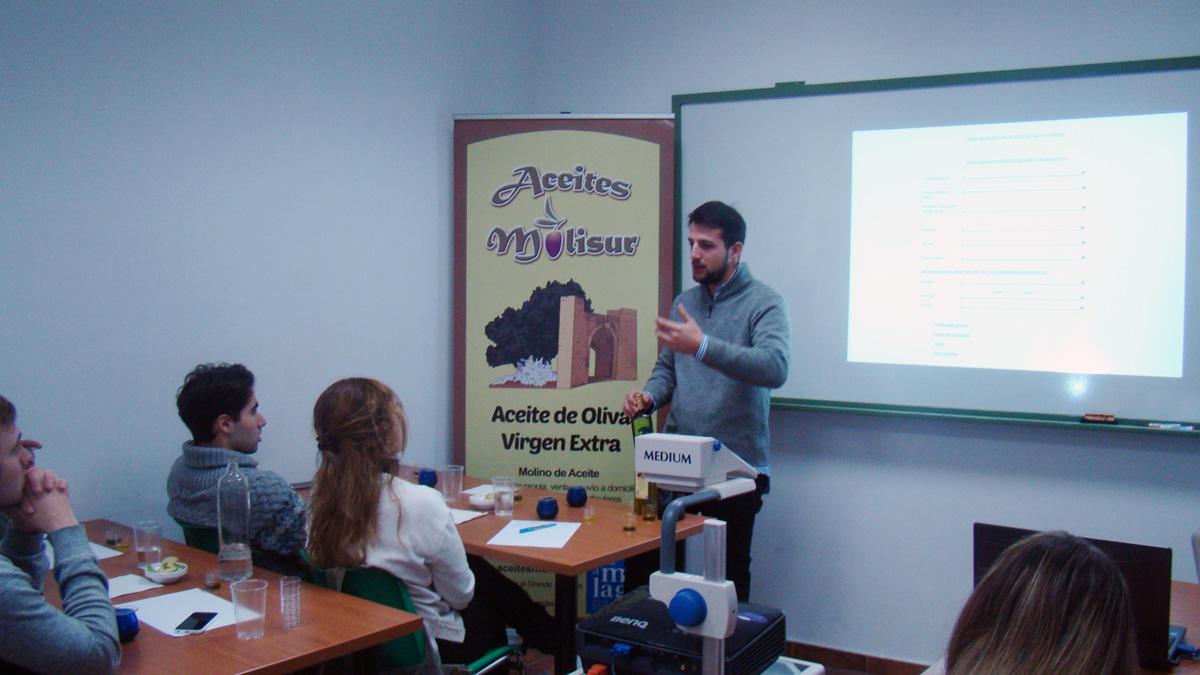 """Adrián Tirado de la  empresa """"Aceites Molisur"""""""